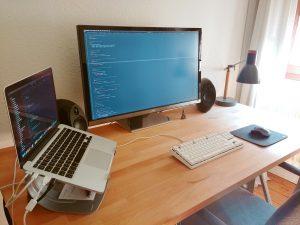 Webentwickler selbstständig – Arbeitsplatz